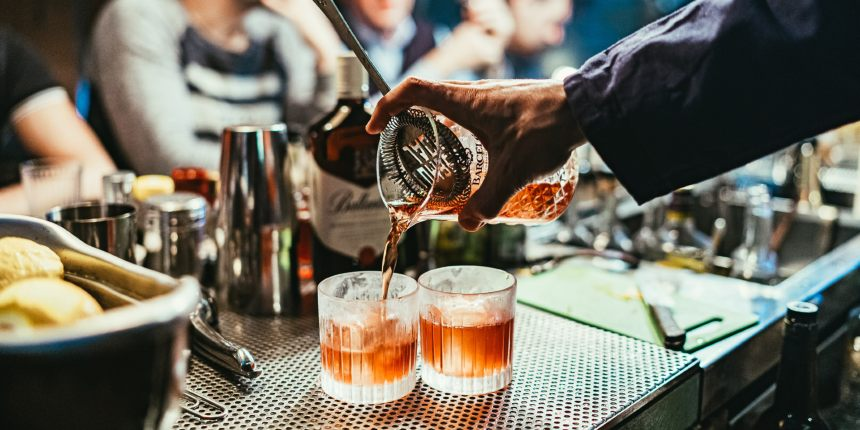 hire a cocktail bartender Auckland